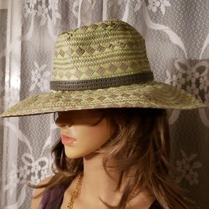 VINCE  CAMUTO paper hat